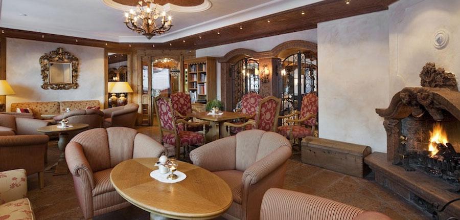 switzerland_zermatt_hotel-schonegg_bar.jpg